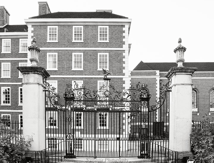 The gate to the Honourable Society of the Middle Temple from  the gardens